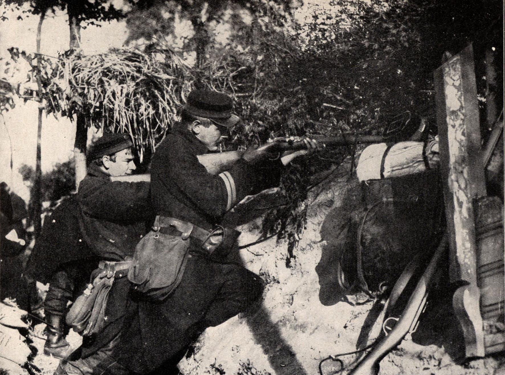 """18. august 1914. 84'eren """"Chr."""": """"Vi stod op i Roerækkerne og fyrede i staaende Stilling"""""""