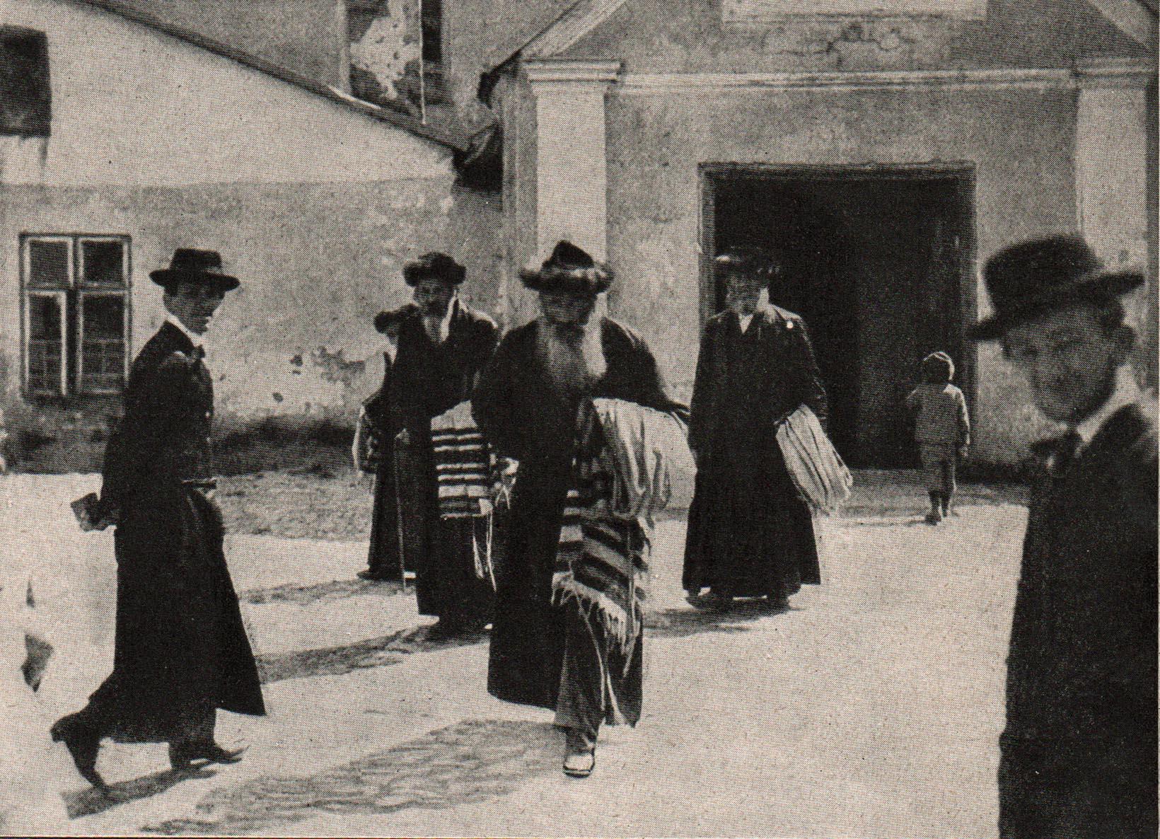 7. oktober 1914. Hemming Skov på østfronten: March mod Radom ad elendige veje