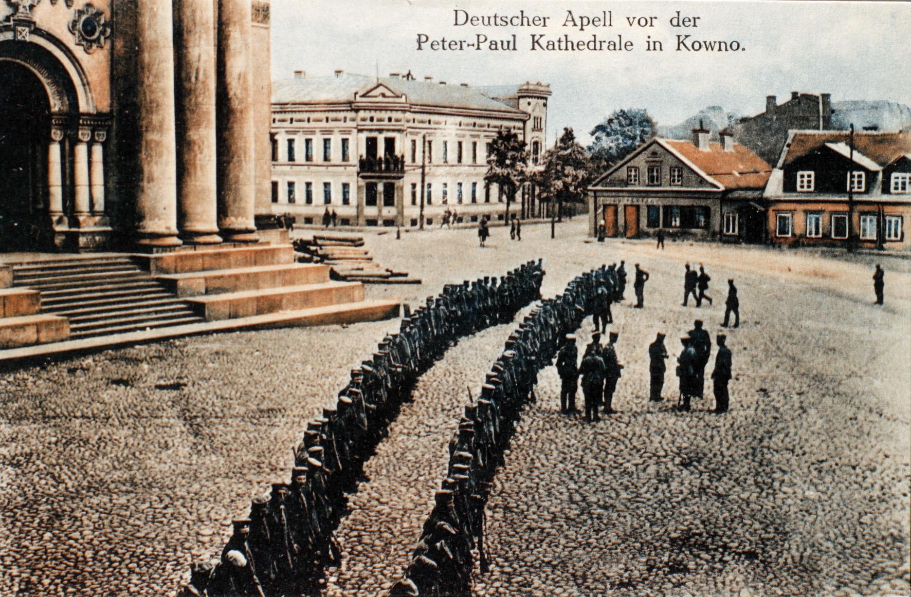 16. februar 1916. Peter Paulson for krigsretten for at nægte faneeden