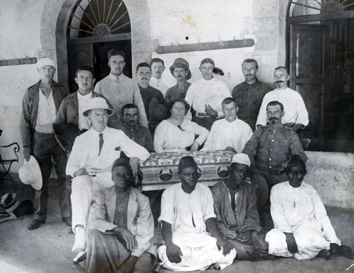 """29. marts 1916. Østafrika: """"Hver eneste Nat svirrede Trommesignaler gennem Luften …"""""""
