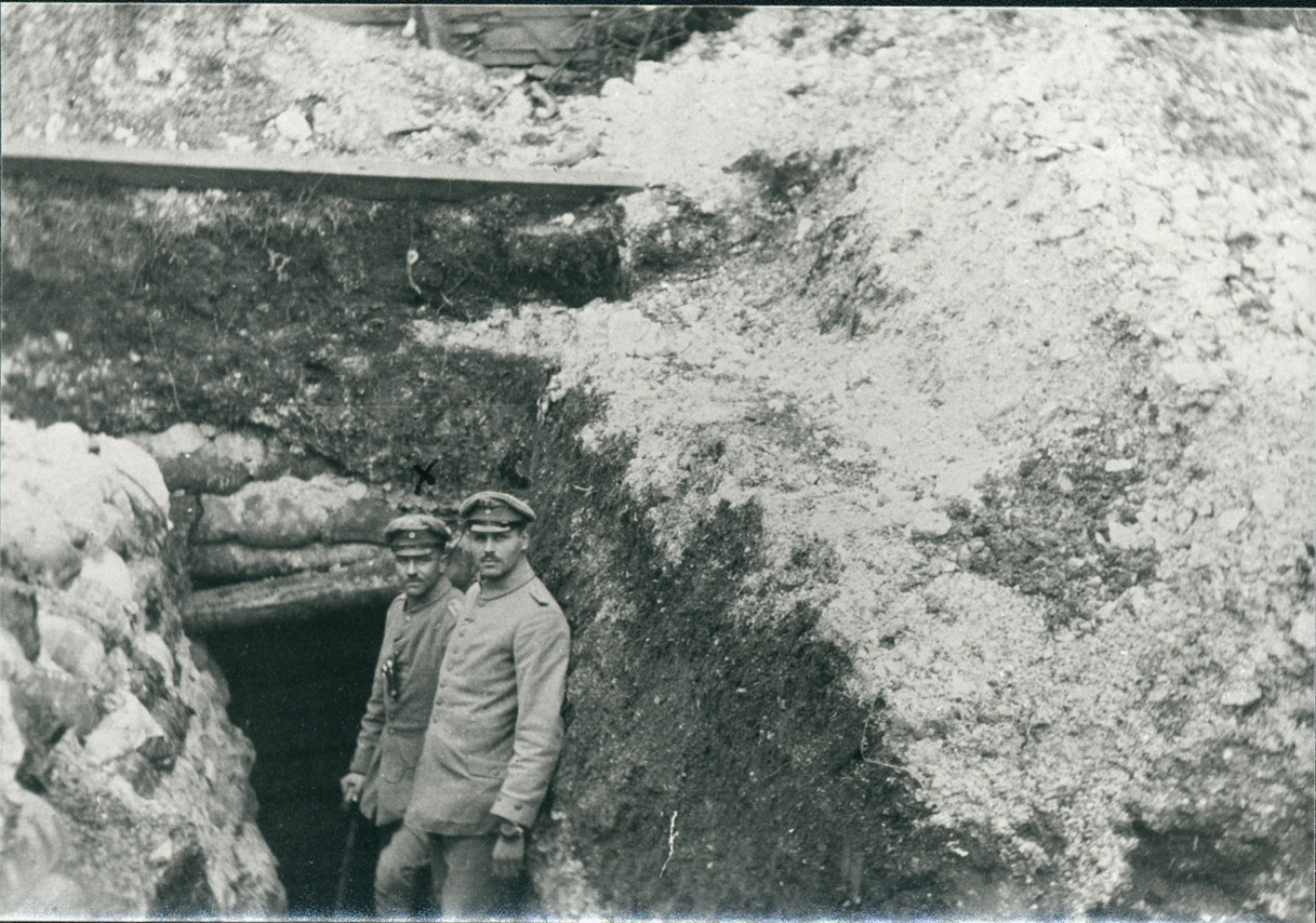 6. oktober 1916. Granatchok: De begravede kammerater gravet fri – men to er blevet vanvittige
