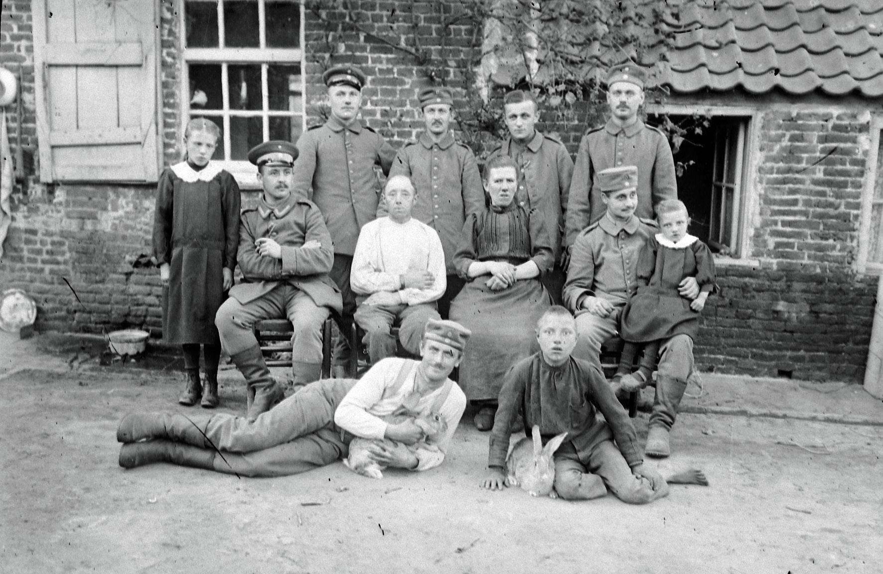 """22. marts 1915. Privat indkvartering: """"… i grunden nogle små søde belgiere!"""""""