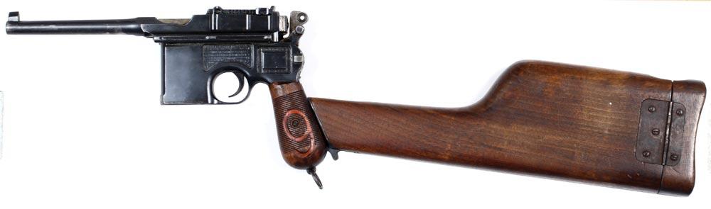 Den tyske semiautomatiske pistol Mauser C96 med pistolhylster monteret som kolbe (Museum Sønderjylland - Sønderborg Slot)
