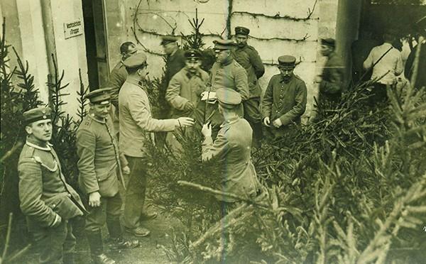 18. december 1916 – Johannes Christensen: Det gik som en elektrisk strøm gennem graven