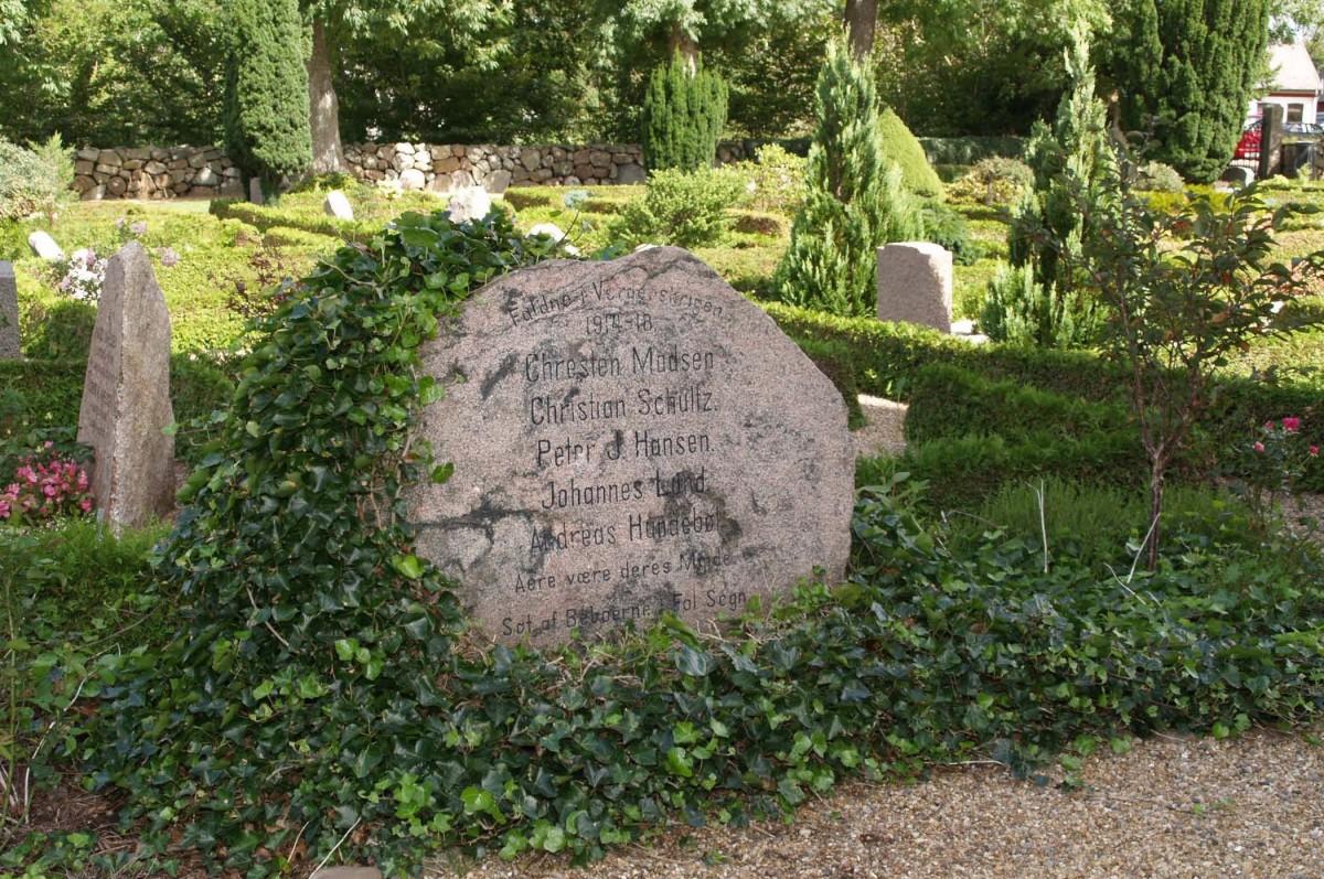Mindesten, Fole Kirkegård
