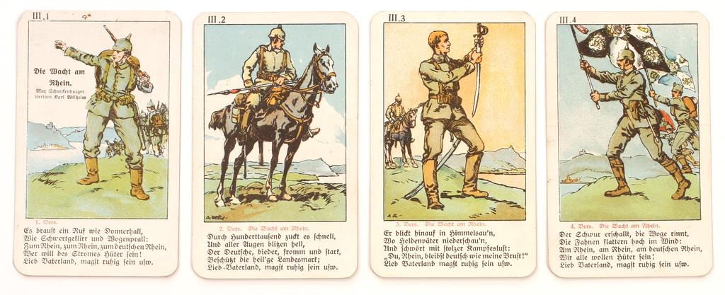 "Serie fra tysk firkortspil ""Soldatenlieder Quartett"" med vers fra ""Die Wacht am Rhein"" (Zeppelin og Garnisonsmuseet Tønder)"