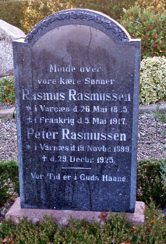 Mindesten på familiegravsted, Varnæs Kirkegård
