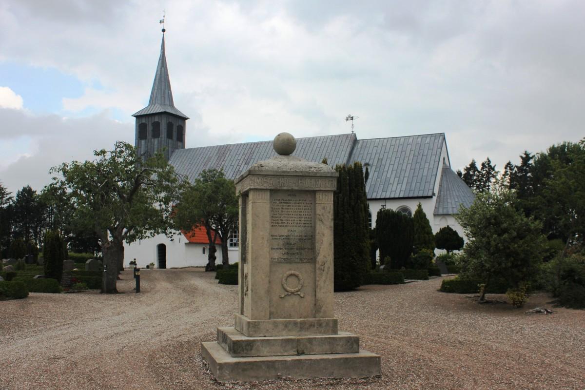 Mindesten, Burkal Kirkegård