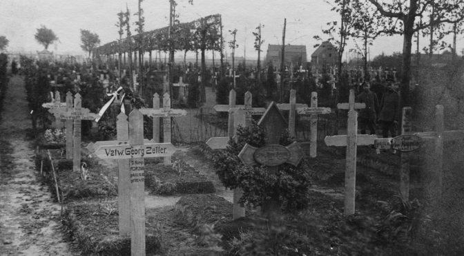 """22. april 1917 – Claus Eskildsen: """"… svært at skrive alle de mange Breve hjem til de paarørende"""""""