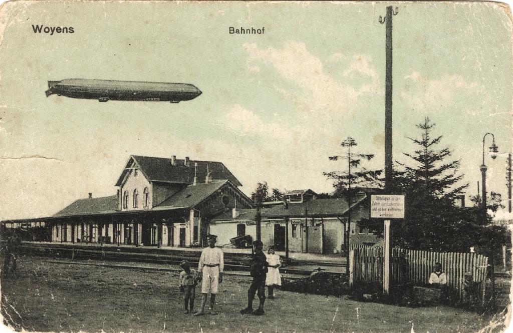 """8. februar 1920. """"Men se, se, se ved hvert hus hver gård vajer Dannebrog!"""" I toget fra Viborg til Aabenraa for at stemme."""