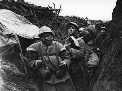 """15. januar 1916. """"Der er kun 3-4 meter over til franskmanden."""" Udveksling af cigaretter og franskbrød"""