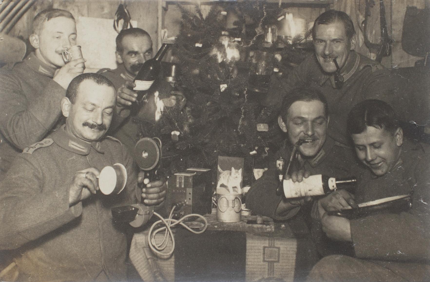 "24. december 1914. Hemming Skov: ""Vi fik næsten julegaver i overflod."""