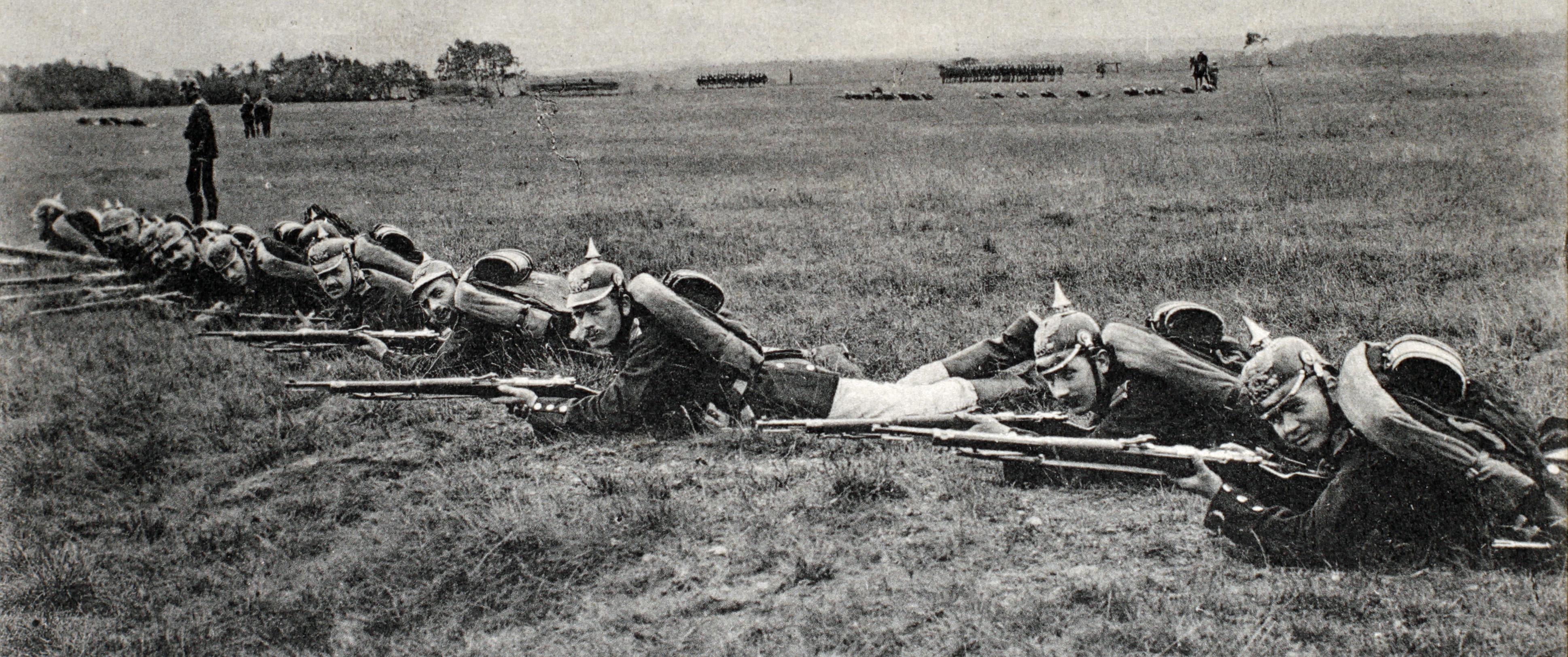 25. maj 1915. H.C. Brodersen uddanner rekrutter i Aabenraa.