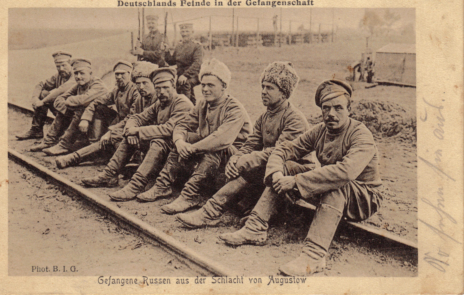 "9. april 1915. ""Den russiske Officershustru i Uniform"""