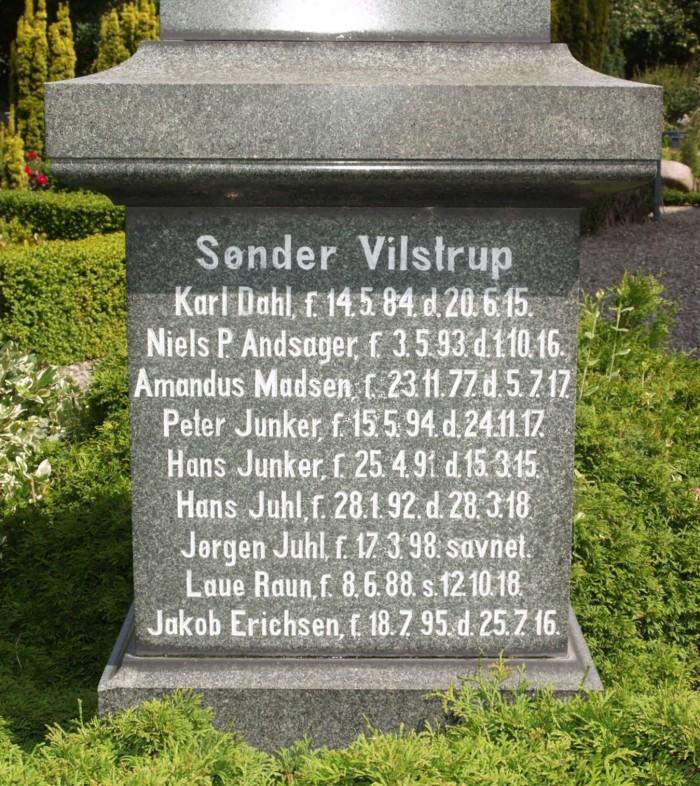 Detalje af mindesten, Vilstrup Kirkegård