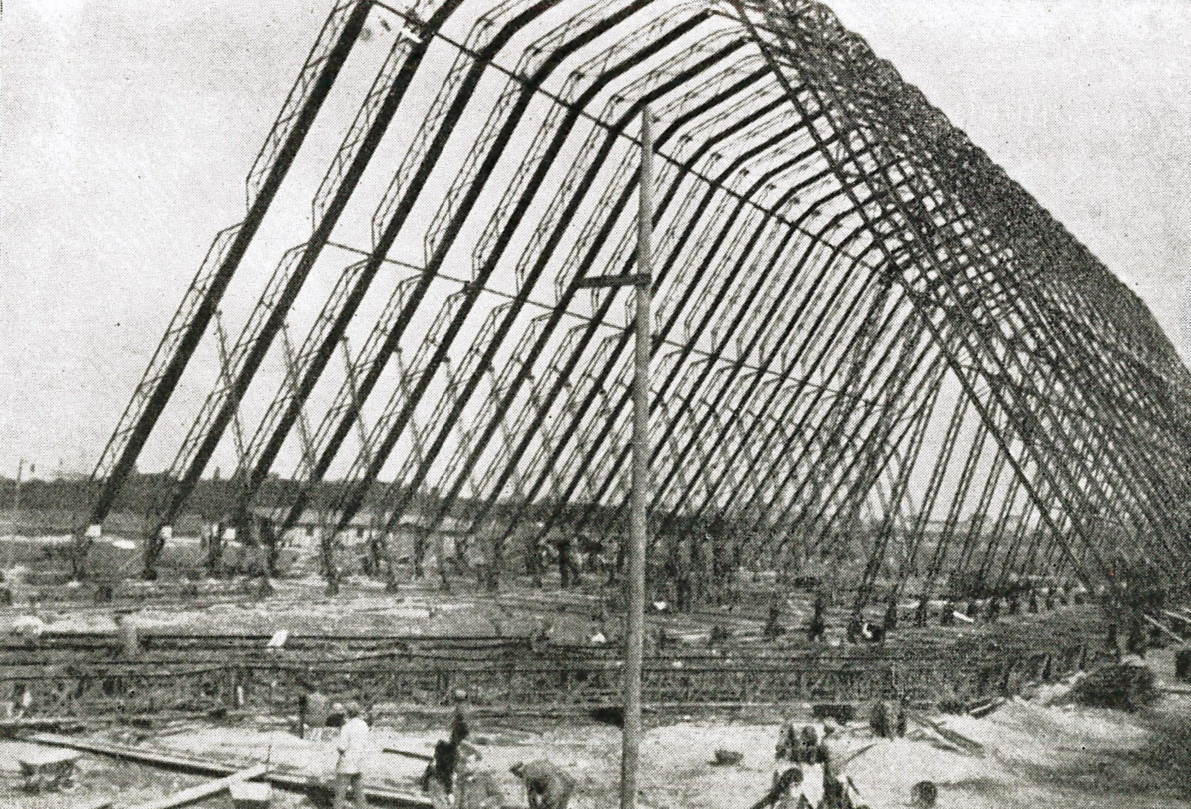 9. august 1915. A.P. Andersen skal bygge en luftskibshangar i Warszawa