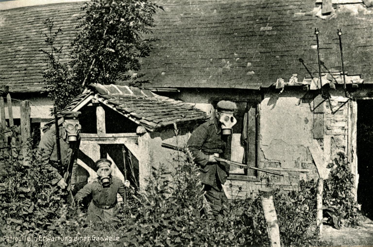 27. november 1916. H.C. Brodersen i en gas-stilling