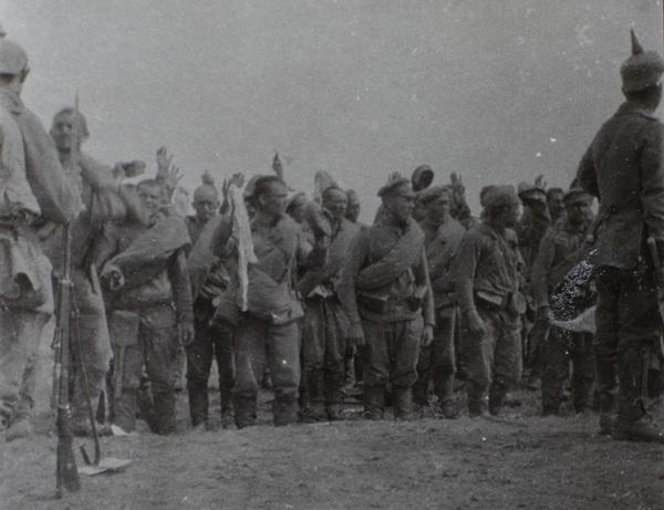 "13. juli 1915 – Friedrich Nissen: ""…mange Russere fanget"""