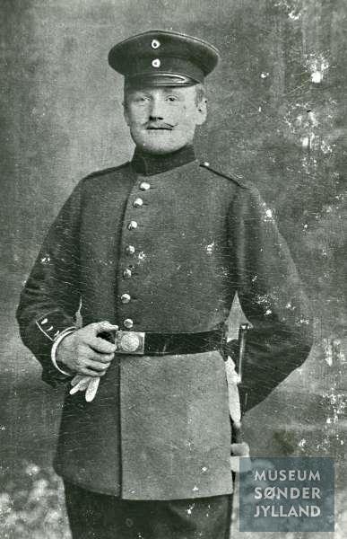 Hans Clausen (1888-1915) Blegebæk, Ketting