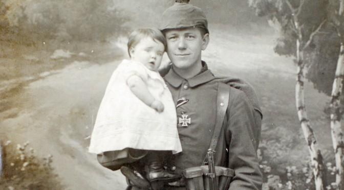 4. januar 1918. Konen er død og far må forlade fire børn
