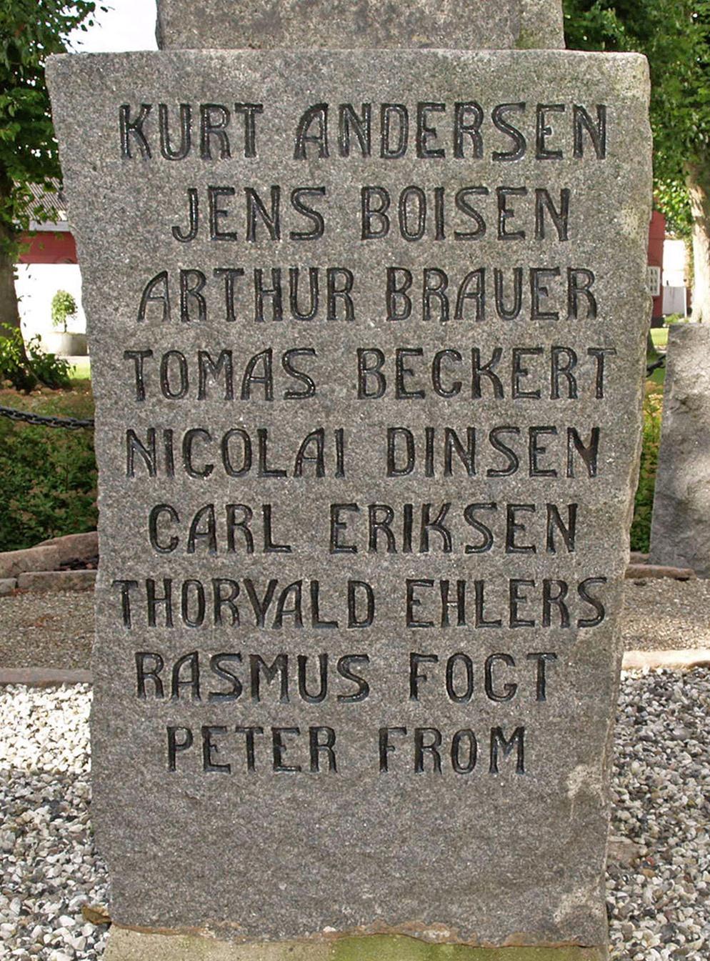 Mindesten, Tyrstrup Kirkegård