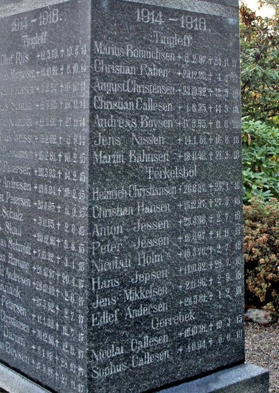 "Mindesten, Tinglev Kirkegård. Heinrich Christiansen står under ""Terkelsbøl"""