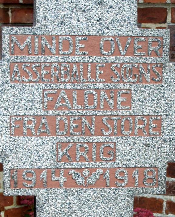Detalje af mindesten, Asserballe Kirkegård