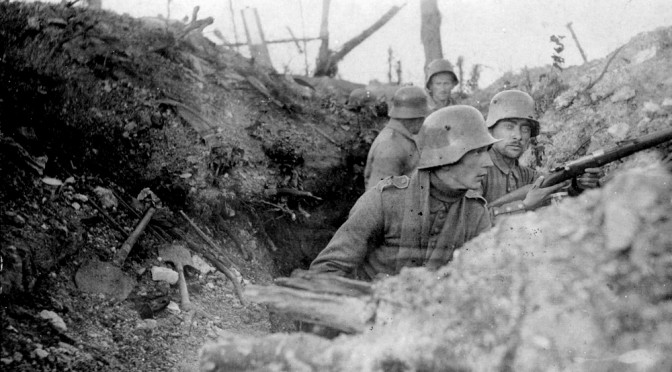 30. august 1916. Lorens og Peter ved Verdun: Reddet af stålhjelmen!
