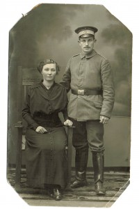 Andreas Mittag og Marie Christine Christensen, bryllupsbillede 1915. Foto på Museum Sønderjylland - Sønderborg Slot.