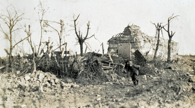 29. april 1917. Hvor heldig kan man være? Tornyster og hjelm blæst af af granat