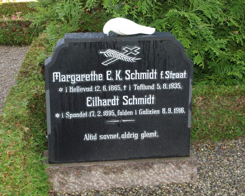 Mindesten på familiegravsted, Tirslund Kirkegård