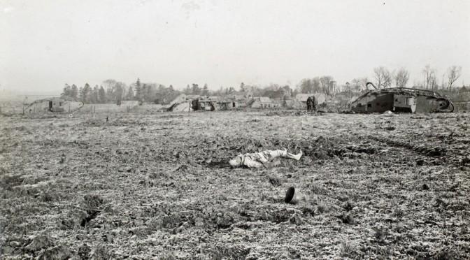 """21. august 1917. Ved Ypres: """"Ude i Terrænet kunde vi høre nogen jamre sig, og disse Stakler jamrede sig i fire Dage uden at blive hjulpet."""""""
