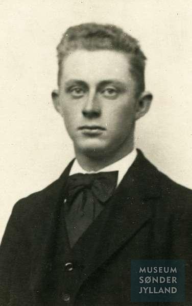 Jørgen Jacobsen (1896-1916) Mommark, Lysabild