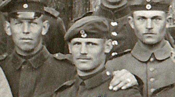 """28. oktober 1918. H.C. Brodersen og """"Skorstensfejeren"""" møder en anden sønderjyde på vej til Aurillac. """" Æ  tøt  jo  nok,  dæ  var  kommen  Fremmed."""""""