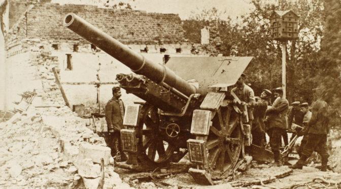 """12. august 1917. Artillerist ved Ypres: """"Englænderne angreb hårdt i denne måned."""""""