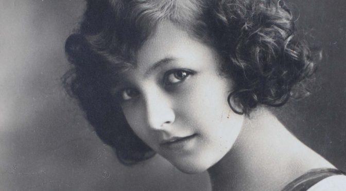 """1. februar 1918: """"Så bøjede hun sig ned imod mig og kyssede mig …"""" – Frederik Tychsen møder en sød belgisk pige."""