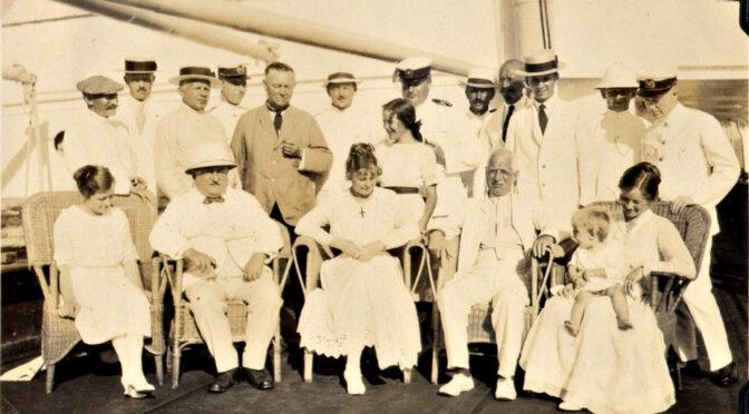 "2. marts 1920. ØK's skib M/S ""Peru"" ankommer til København fra Vladivostok med danske statsborgere og sønderjyske krigsfanger fra Sibirien."