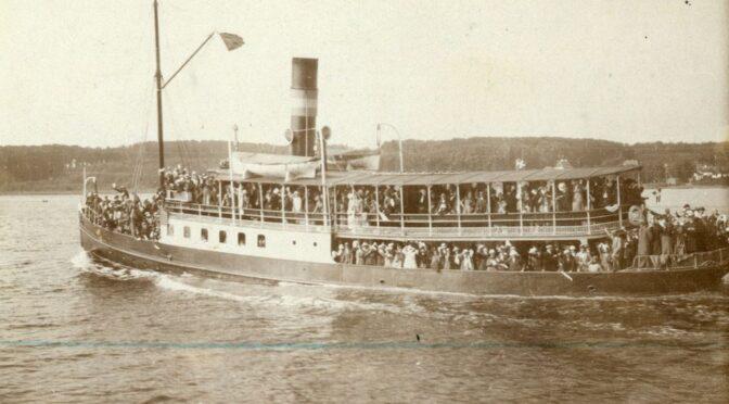 8. februar 1920. Skibe med stemmeberettigede til Vesteramtet ankommer til Haderslev