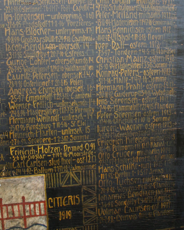 Mindetavle, Haderslev Katedralskole, over faldne tidligere elever